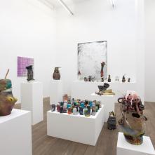 Vue d'exposition L'Important c'est de bien placer la bougie, Galerie Laurent Godin, Paris, 2016