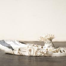 Ocean Portrait : Fear vs Fascination, porcelain, oxide painting and gold luster, 32 x 17,5 x 9 cm, 2020  ©Fondation Bruckner