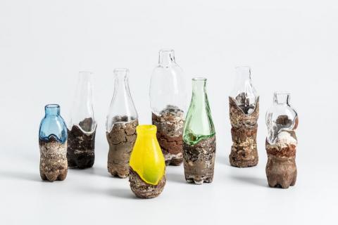Fuwa fuwa, Grès, porcelaine, verre © Baptiste Coulon